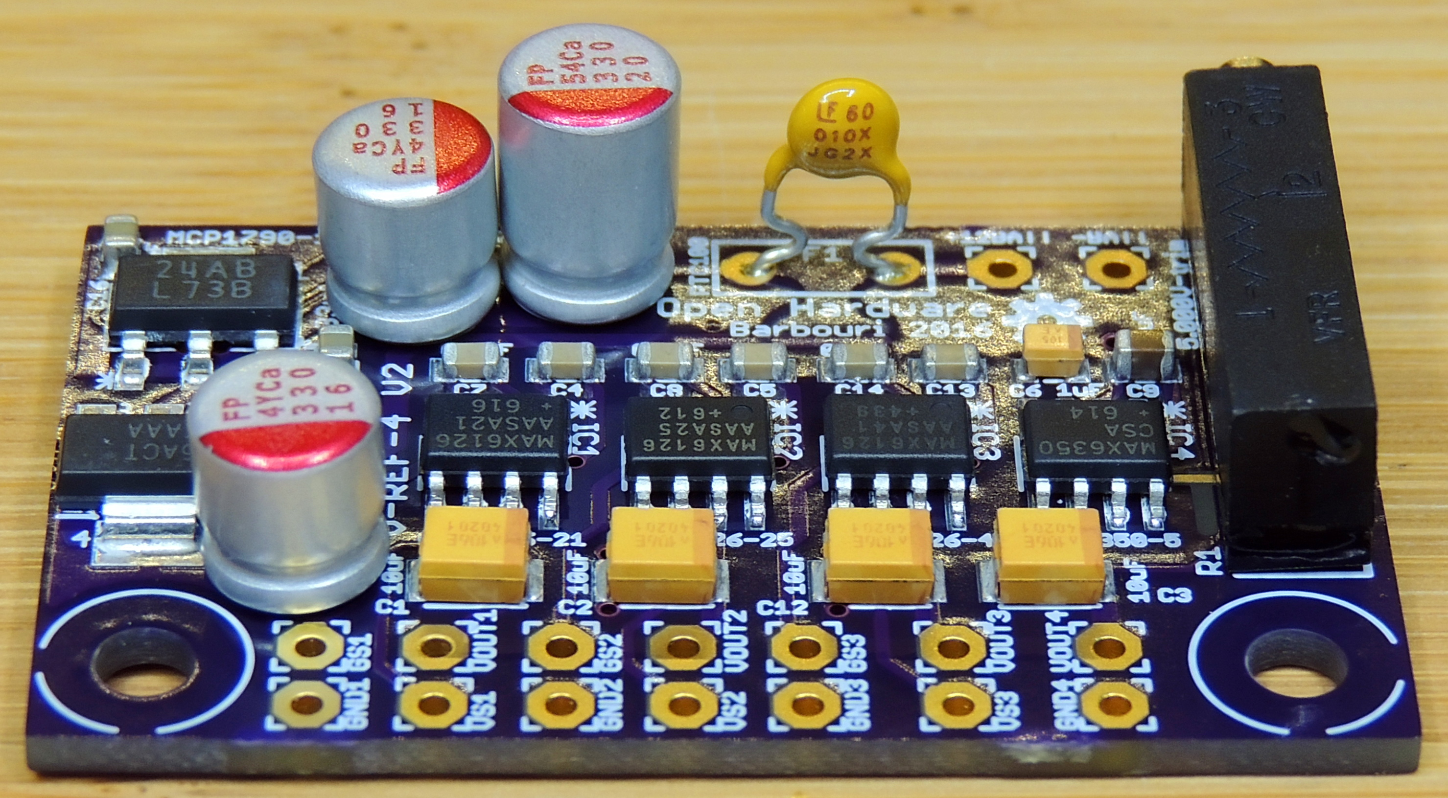 Voltage Reference Quad Project Version 2 Part 1 Barbouris Digital Thermometer Circuit Ds18b20 Electronics Projects Circuits Side View
