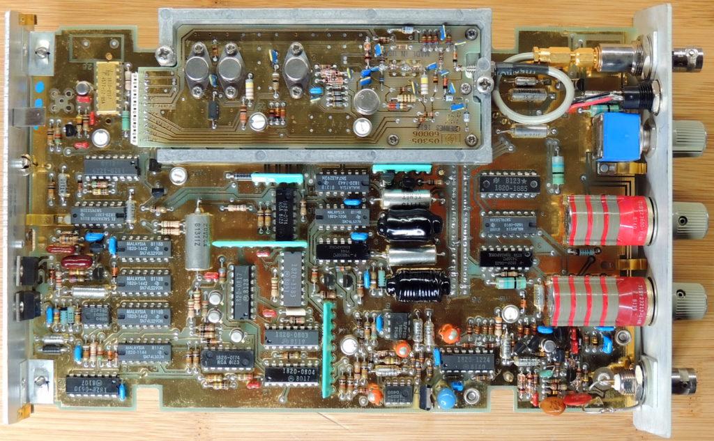 HP 5305B Board top view